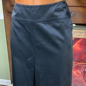 IMPRESSIVE BLACK SKIRT BY FRENCH CONNECTION SZ 6💝